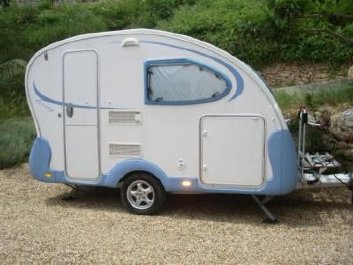 caravanes ce n est pas la taille qui compte autos vendre sur. Black Bedroom Furniture Sets. Home Design Ideas
