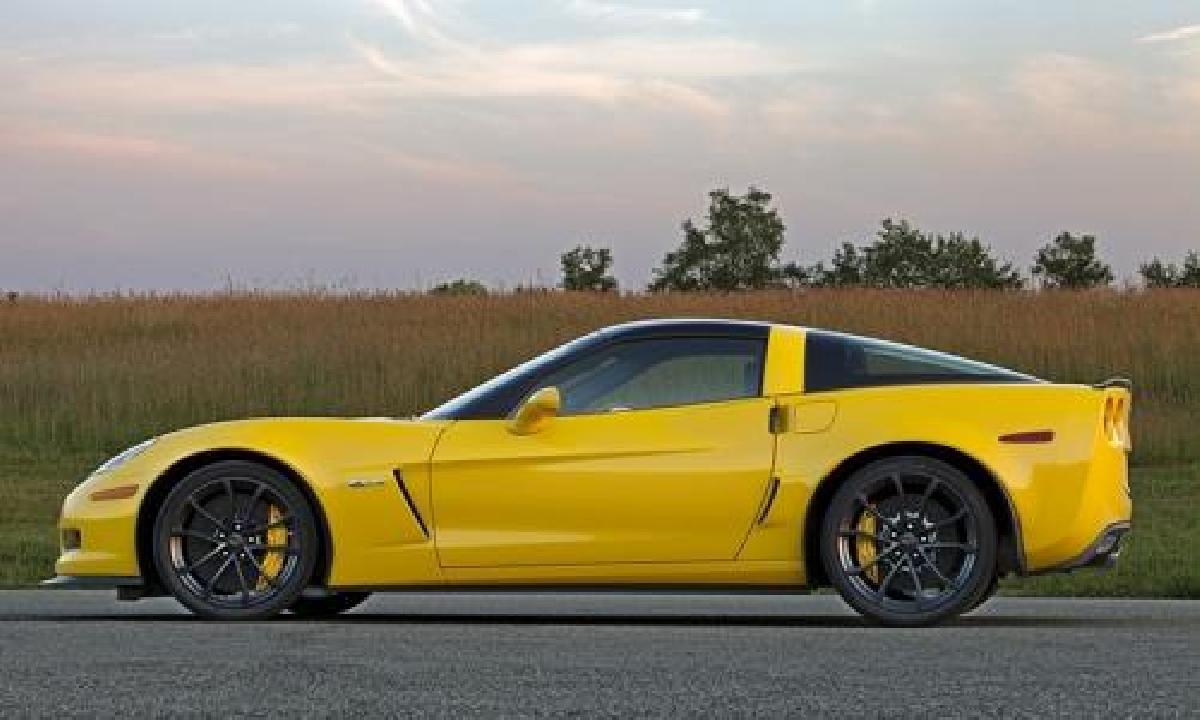Chevrolet Corvette Z06 2013 : de la route à la piste
