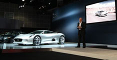 Jaguar construira la C:X75, une sportive hybride de performance.