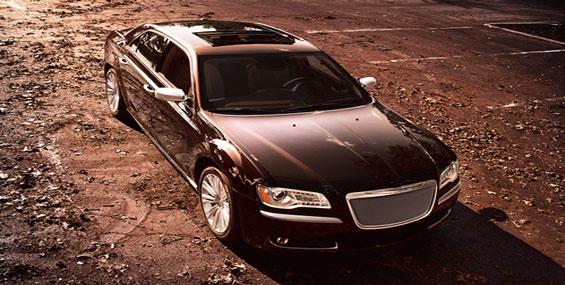 Chrysler lance une gamme de luxe de sa berline 300.