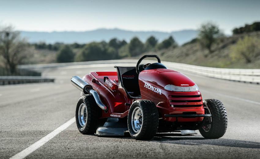 Honda veut tondre le gazon à 240 km/h