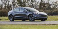 Tesla Model 3 : fini les problèmes de peinture?